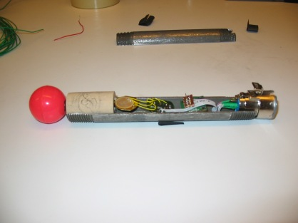 The internal components of the version 2 bow: a piezoelectric sensor is bonded to the ball–spring structure.